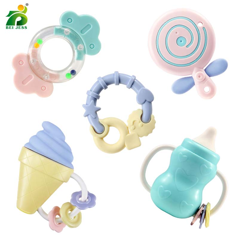 5 sets/sets de bébé hochets de bande dessinée sucette bouteilles de silicone souple en plastique main cloche BEI JESS bébé jouets
