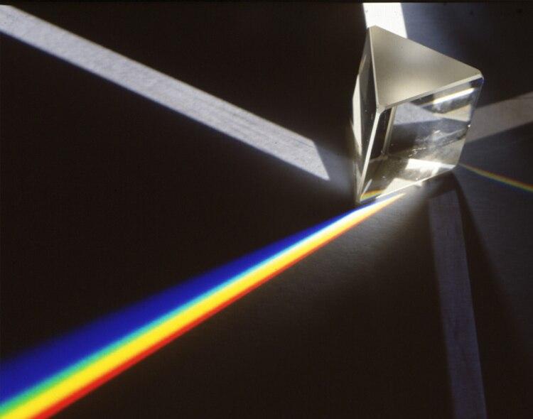 Купить с кэшбэком OMO Rainbow Maker 5cm Optical Glass Triangular Prism Science Experiment Physics Light Teaching Kids Educational Toy