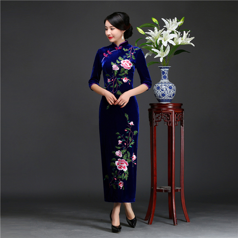 Top qualité femme automne nouveau velours Qipao grande taille 4XL Style chinois broderie fleur robe demi manches longue soirée Cheongsam