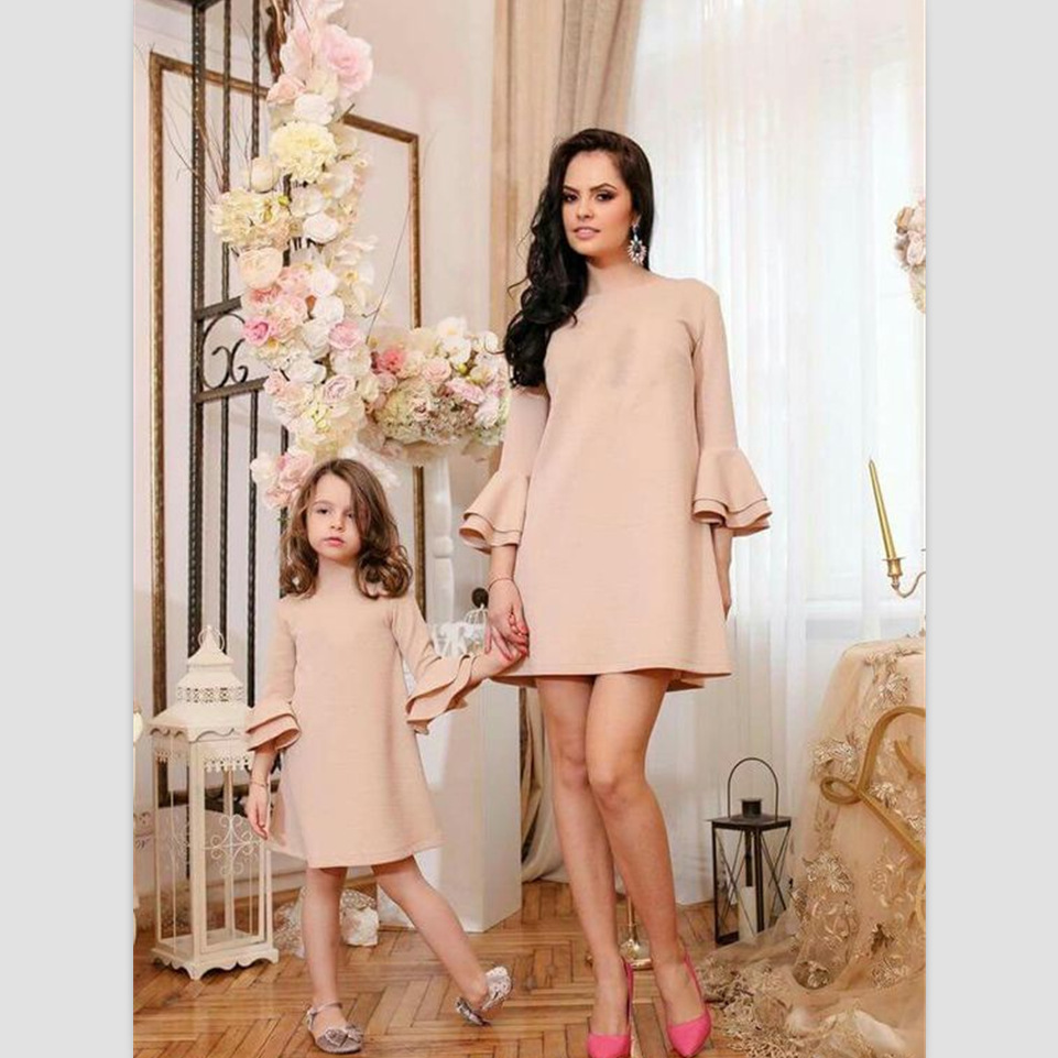 2018 Mother Daughter Dresses Family Matching Outfits Pure Color Family Look Matching Clothes Mom And Daughter Long Sleeve Dress