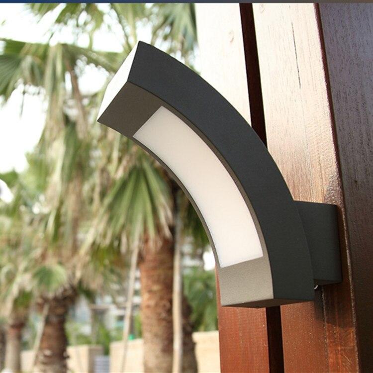 12 W a mené les appareils d'éclairage extérieurs verticaux de mur imperméabilisent l'éclairage de jardin balcon mur Led
