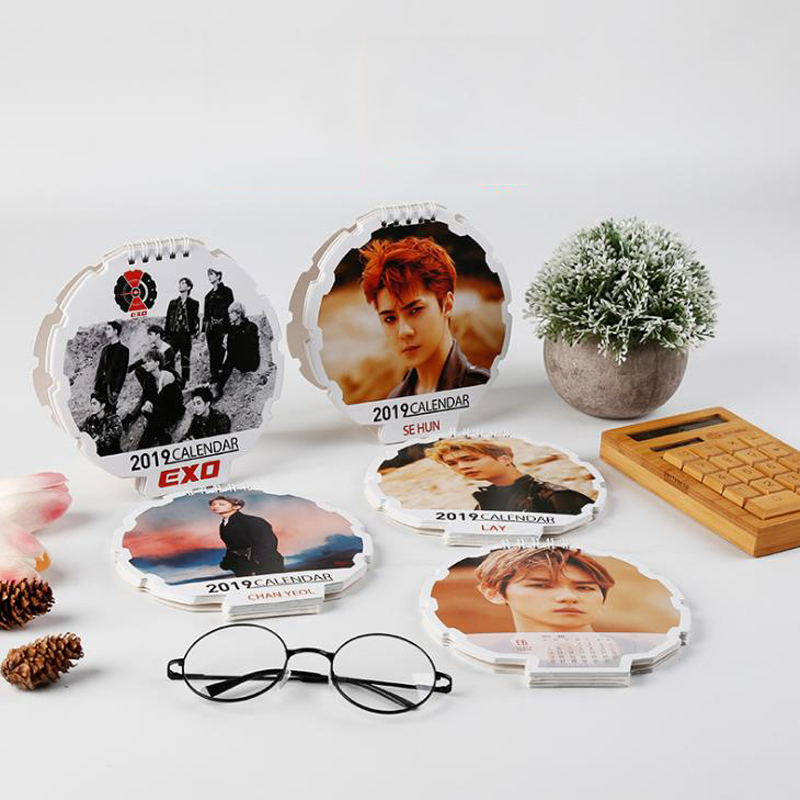 1 Pcs Fashion Kpop EXO 2019 Year Desk Calendar CHANYEOL BAEKHYUN SEHUN LAY Fans Collection Stationery Table Calendar Gifts ベビー モニター