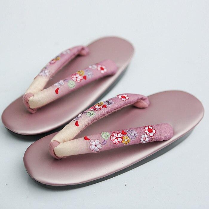 Charming 2017 Summer Women Sandals Japanese Clogs Geta Wooden Slippers Cosplay Women Bench Geta Flat Heel Slippers Shoe