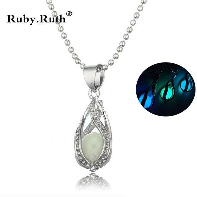 56afbd0bb377 2017 mujeres de la manera del brillo piedra Luna encanto luminoso collares  de piedra