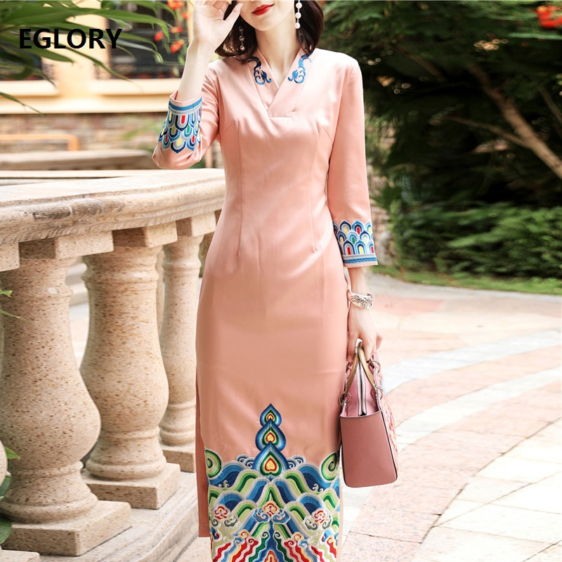 XXXL!Top Qulaity Brand Chinese Dress 2018 Autumn Winter Fashion Party Qipao Dress Women Luxurious Embroidery Bodycon Dress Long