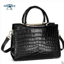 все цены на yuanyu Crocodile skin handbag for ladies genuine leather imported crocodile skin handbag large belly single shoulder genuine онлайн