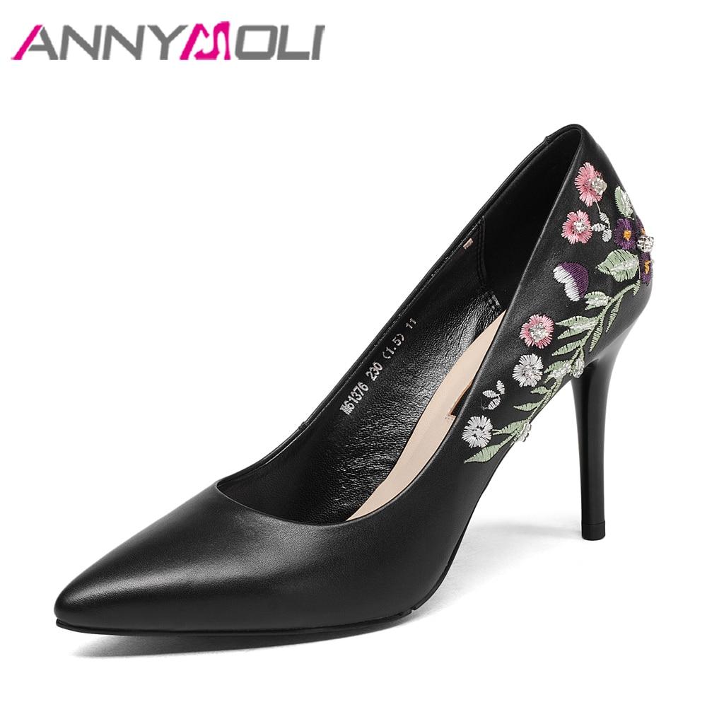 ANNYMOLI Натуральная кожа женщины насосы высоких каблуках туфли вышивать тонкий каблук острым носом скольжения на насосы элегантный 2018 черный Новый