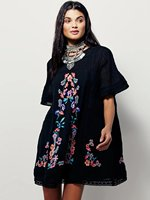 Women's boho dress floral embroidery mini dress short sleeve black loose dresses bohemian holiday dream dress O neck vestidos