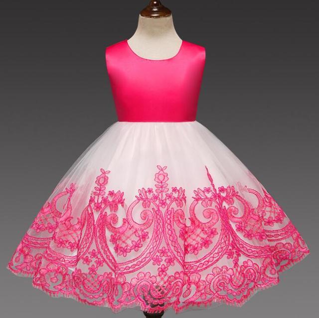 סתיו חדש בנות שמלת רקמת שמלת חזרה פרח Grl חלול החוצה Bowknot שמלת אירופה ובארצות הברית תינוק שמלה יום הולדת