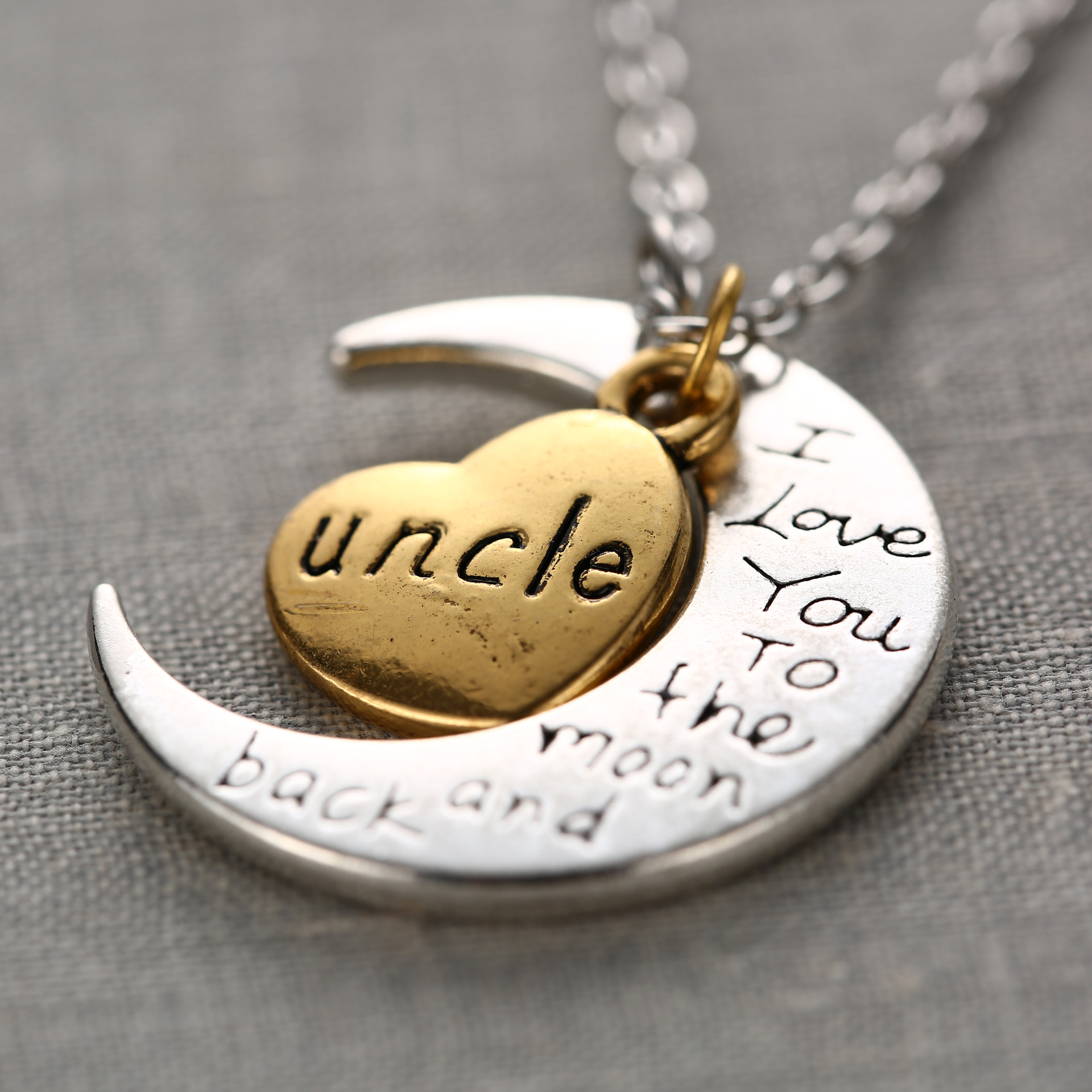 Fashion New Letter <font><b>Engraved</b></font> <font><b>Moon</b></font> Pendant Necklace For Family Gifts Gold Plated <font><b>Love</b></font> <font><b>Heart</b></font> Chain Family Member Necklace Chokers