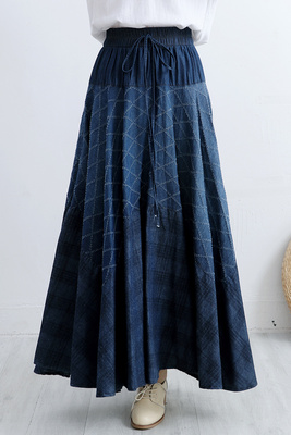 Kadın Giyim'ten Etekler'de Makuluya Yeni Yüksek Kalite kadın Vintage Etnik Çiçek Desen Baskı Bohemian Elmas Polka Dot Denim Uzun Pilili Etekler L6'da  Grup 2
