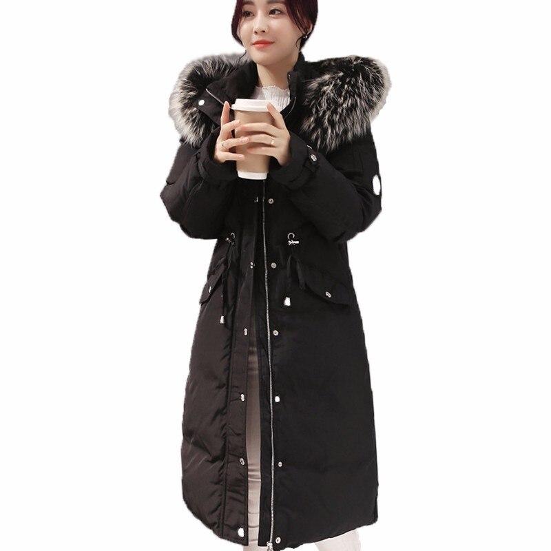2018 Nouvelle D'hiver de Femmes Mince Taille Vers Le Bas Vestes Grand Raton Laveur Col De Fourrure Long Down Manteaux Parkas De Mode Femelle de Neige outerwears