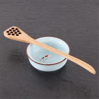 18 8 cm długość Hollow Out drewna miodu łyżka do kawy mieszając trzymać Pałeczka do miodu przez słoik na miód długi uchwyt trzymać mikser Shaker tanie i dobre opinie EH-LIFE CN (pochodzenie) 798447 coffee scoops