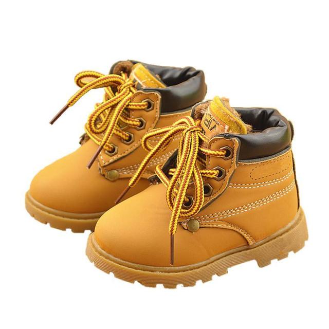 2017 Botas de Nieve Niño de La Manera Zapatos de Cuero niños Niñas caliente de la Felpa Casual Kids Niños Nieve Botas Zapatos Para Niños de Algodón Bota