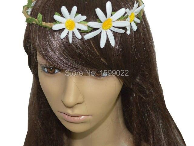 white flower daisy crown leaves