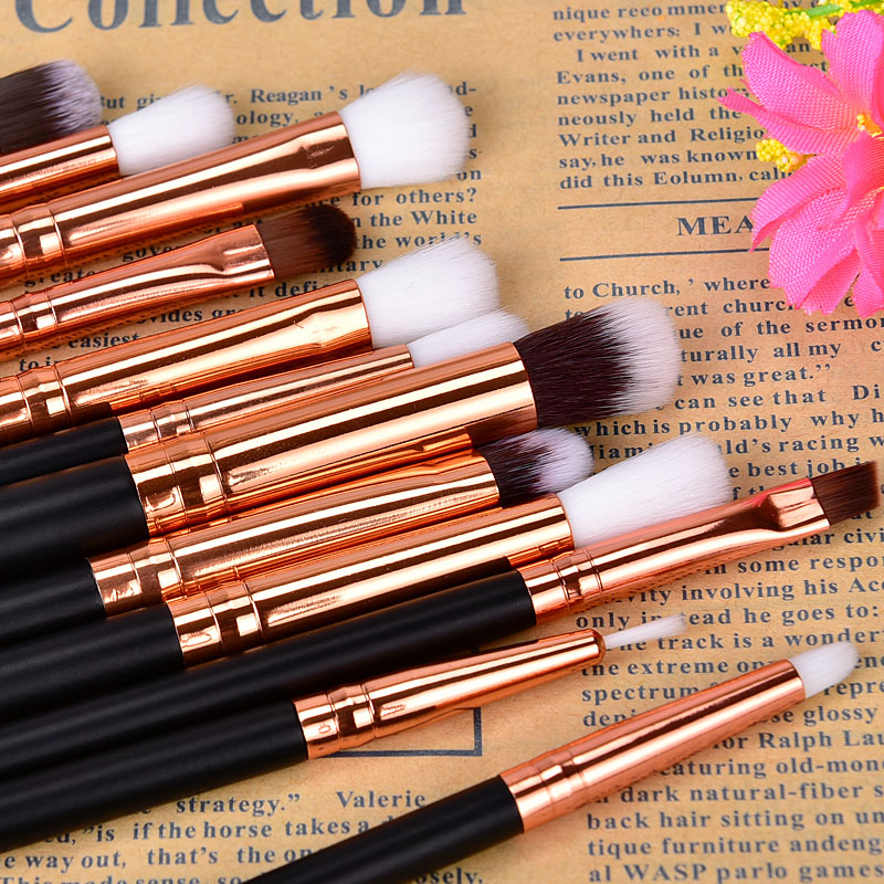 Image 5 - 12Pcs Professional Eyeshadow Brush Set Wood Handle Eyeshadow Eyeliner Blending Brush Face Cosmetic Tools Make Up maquillaje-in Eye Shadow Applicator from Beauty & Health