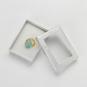 Image 4 - Caja expositora de joyería de 7x9 cm, 60 unids/lote, caja de regalo para pendientes de collar de cartón plateado, Cajas de Regalo de embalaje con esponja blanca