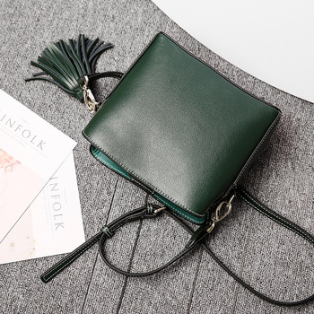 Casual Style Lady Shoulder Bag Solid Color Soft Genuine Leather Split Leather Zipper Tassel Bag Party Messenger Crossbody Bags