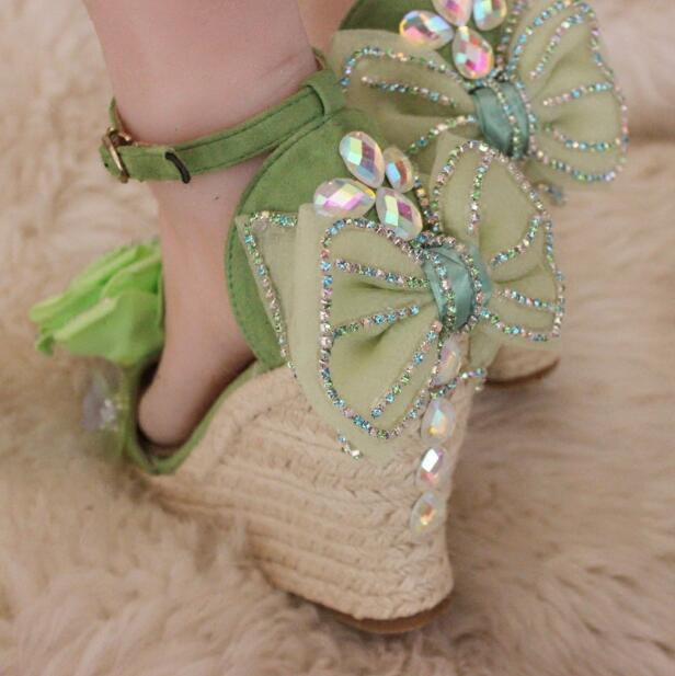 2018 Fresh word slope with straw woven rattan sequined high-heeled sandals green rose sandals woven design straw flat sandals
