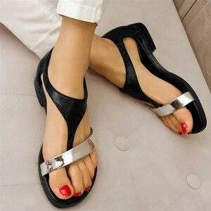 Image 4 - Niskie mieszkanie z Plus Size sandały gladiatorki damskie t strap rzymskie sandały pokrycie pięty pasek z klamrą zwięzłe mieszane kolory buty czeskie