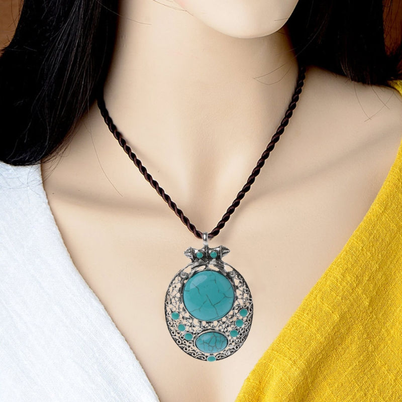 Tibetan Silver Vintage Necklace Turquoise Pendant Necklace Women Jewelry