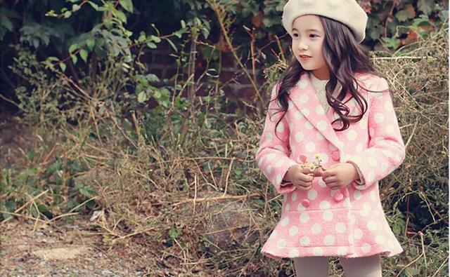 Niñas Otoño Invierno Princesa Abrigo de Lana Botón de la Ropa de Algodón Niños Polka Dot Abrigos Niños Mezclas Ropa 5 unids/lote