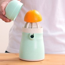 Penguin Orange Juicer Wheat Straw Juice Cup Citrus Lid Lemon Squeezer Kitchen Furit Juicer Universal Kitchen Tool