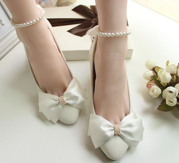 2018 new design fashion white bow bridal shoes ankle beading pearls lady party white dress shoe