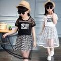 2016 meninas do verão define letras de manga curta de fios rendas de algodão menina conjuntos para crianças meninas roupas t camisa e saia crianças se adapte