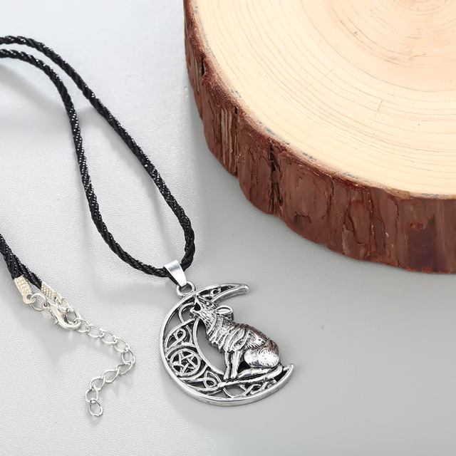 Chandler Money Wolf Celti Moon Viking Dog Necklace & Pendant Valknut Odin 's Symbol of Norse Viking Warriors Men's Accessary 3