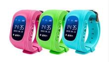 Купить онлайн Дети GPS трекер Q50 Смарт-часы для детей носимых OLED ЖК-дисплей электронные с iOS и Android sim-карты сотового телефона часы