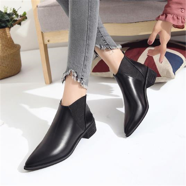 93b31521808a 2018 Best-selling European women s spring shoes fashion patent leather  pointed toe vintage leather Chelsea boots British style
