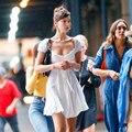 2018 Летнее Платье <font><b>bella</b></font> hadid белое пляжное платье с вырезом лодочкой с оборками кружевные Элегантные платья с открытыми плечами ТРАПЕЦИЕВИДНОЕ ...