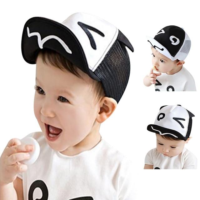 ec78e002e9fb Bébé d été chapeau Blanc et Noir Bébé Baseball Chapeau Bébé Chapeaux  Casquette de baseball