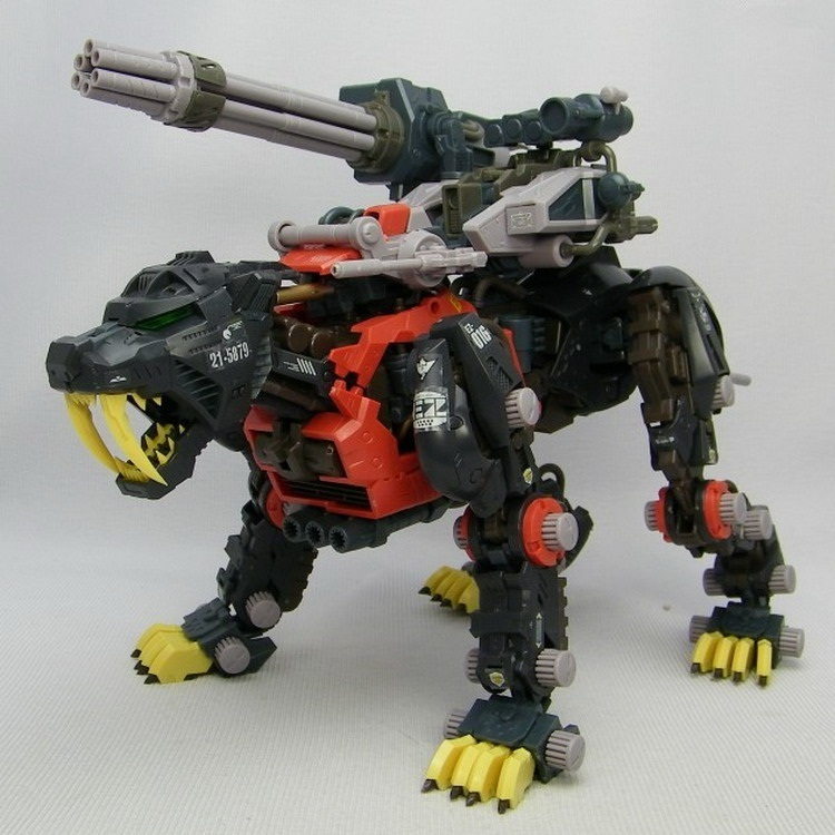 BT Model Building Kits: ZOIDS EZ-016 Black Saber Tiger Schwalz Ver. 1:72 Scale Full Action Plastic Kit Assemble Model Best Gifts