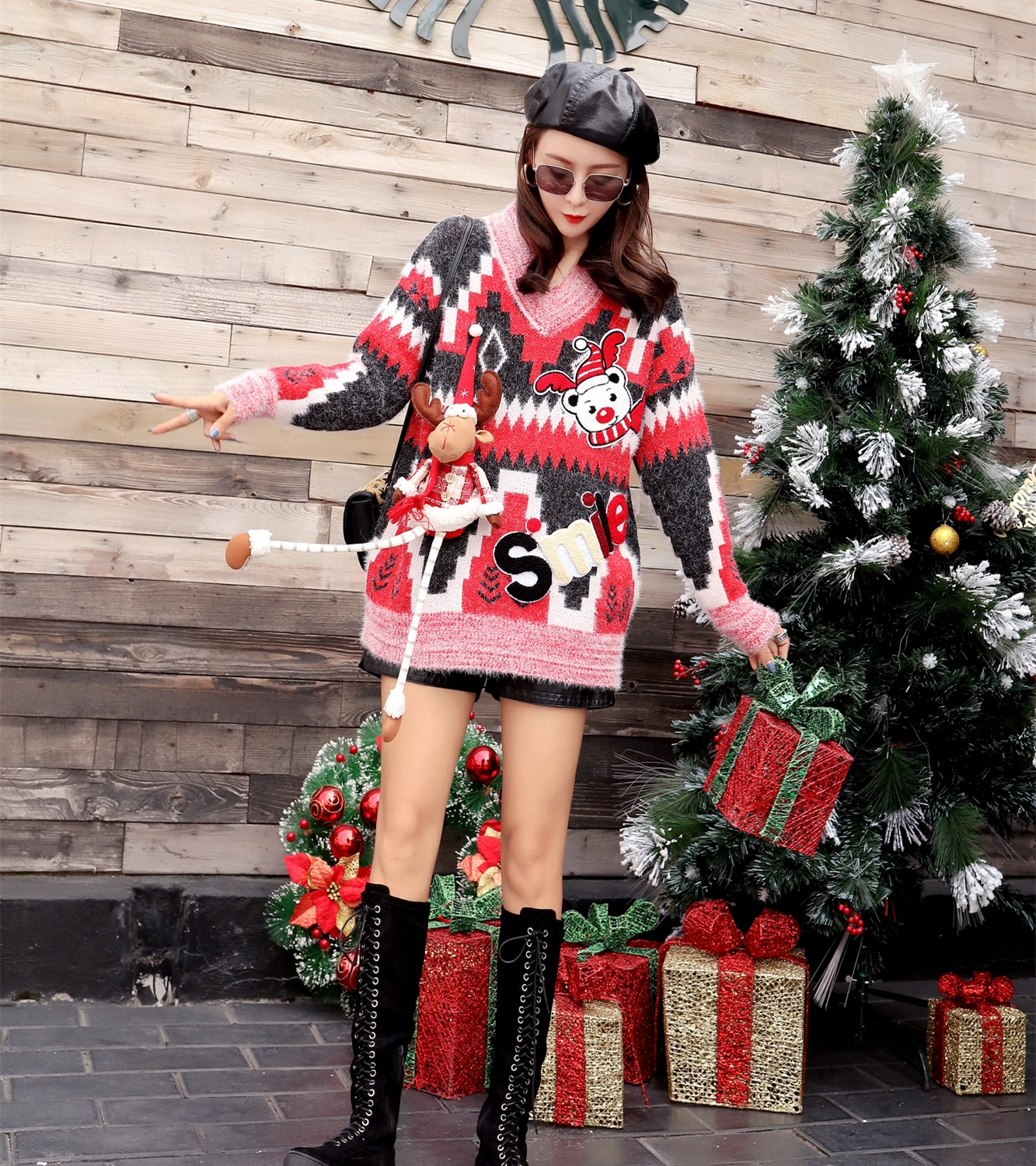 European station 2018 autumn new cartoon bear Christmas rhombic loose large size long sweater sweater women