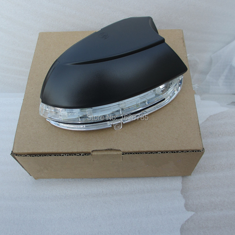 16D 949 102  Right  Side Turn Signal Light  Mirror Lamp for VW Jetta MK6 Passat B7 CC BEETLE rearview mirror turn signal side mirror streamer lamp modified 5gg 949 102 for golf 7 2014 2015 touran 2015 on right side 5gg949