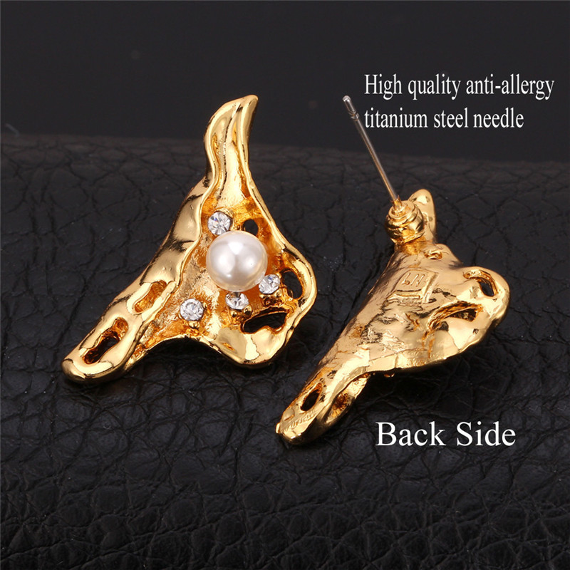 New Cute Mussel Studs Earrings Yellow Gold Color Synthetic Pearl Beads Rhinestone Fashion Studs Jewelry For Women MGC E3146