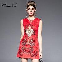 Truevoker مصمم ثوب المرأة جودة عالية أنيقة أكمام القلب الديكور الماس زهرة مطرزة الجاكار فستان أحمر