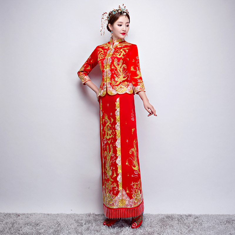 0b685b404 ... Red Traditional Chinese Gown Wedding Dress 2019 New Embroidery Woman  Long Cheongsam Qipao Vestido Oriental Style ...