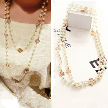 New Fashion Pearls Rhinestone Four Leaf Clovers Double Chain Necklace Women Long Sweater Chain