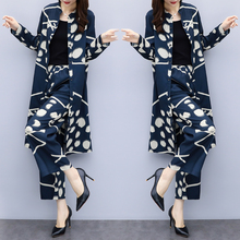 Impresión Floral de tamaño grande mujeres trajes de dos piezas temperamento  ocasional flojo Ensemble Femme Survetement moda salv. 63f4ee949f4d