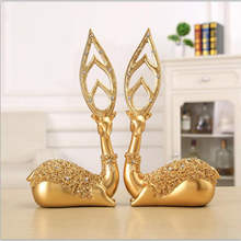 A pair High quality resin crafts European couples elk home decorations hotel creative business furnishings