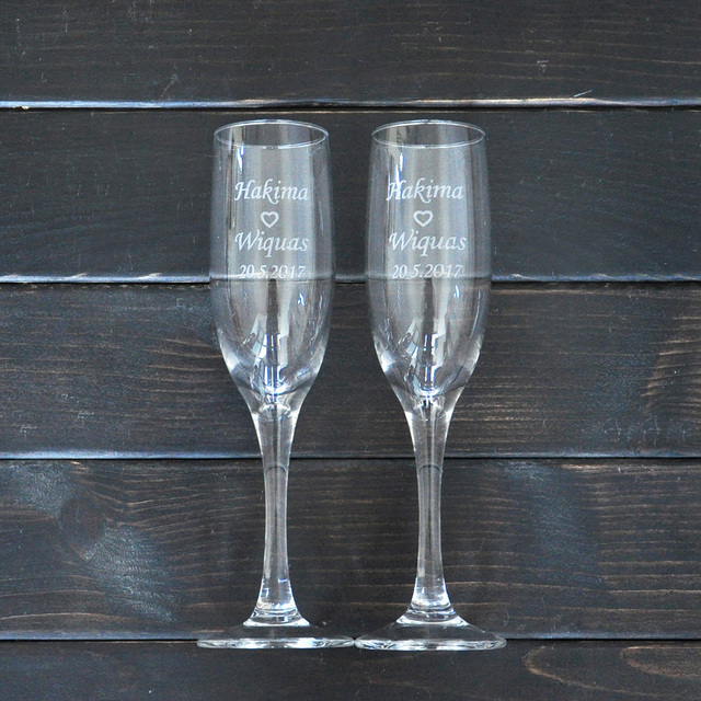 461d3dd92f2 Personalized Toasting Glasses Set of 2 Bride and Groom Champagne Glasses  Wedding Gift