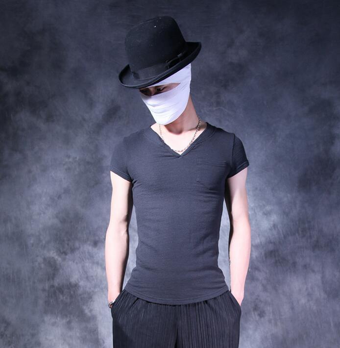 Hommes T-shirt col en v slim all-match personnalité poche t-shirt hommes mâle en forme de coeur col à manches courtes T-shirt hommes noir été