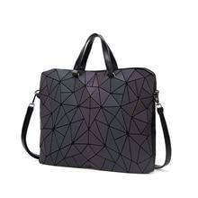 Nuevo bolso de mensajero luminoso Bao para mujer, bolso de mano con diamantes, bolsos de hombro geométricos, bolso plegable liso con láser noctilucente, bolso de mano