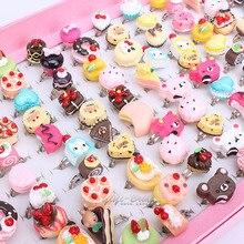 الجملة 100pcs مزيج مجموعة الحيوانات كعكة متنوعة الفضة مطلي معدن طفل أطفال فتاة للأطفال الكرتون خواتم مع صندوق عرض