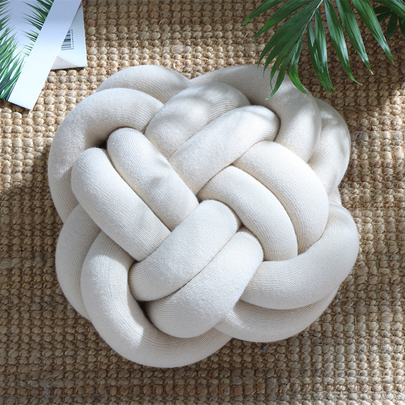 2018 New Simple Knotted Shape Pillows Solid Color Fashion Office Nap Pillow Home Decoration High Quality Cushion Pillow Creative