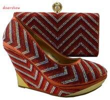 Любимый дизайн сочетающиеся итальянская обувь и комплект с сумкой, Симпатичные женские туфли на танкетке Обувь на высоком каблуке под женское платье! doershow! HZL1-34