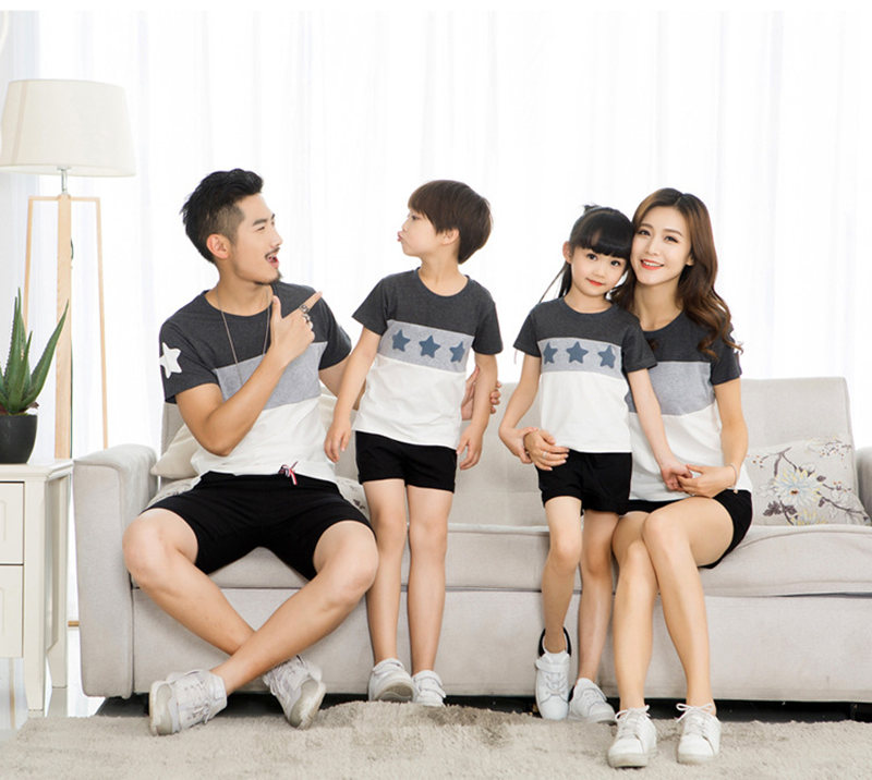 HTB1VR9LXx685uJjSZFHq6A49pXak - Family Look Summer style Short-sleeve Star T-shirt For Mother Daughter And Father Son Clothes Family Matching Clothes
